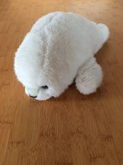 weiße Stofftier Robbe