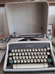 Olympia Kofferschreibmaschine