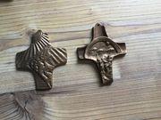 2 Kommunionskreuze Bronze