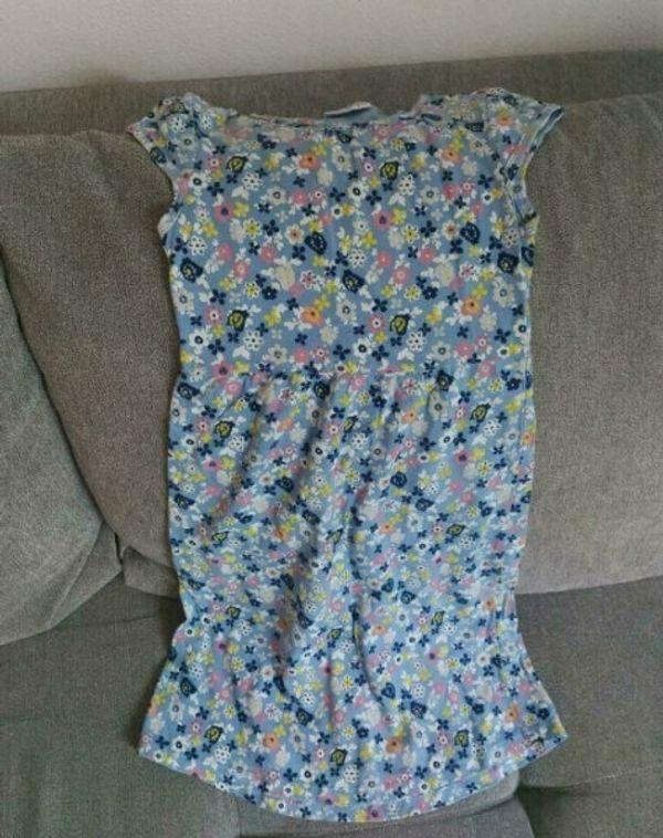 Mädchenkleider in Größe 128