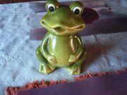 grüner Keramig Frosch