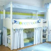 Stockbett in weiß mit blauen