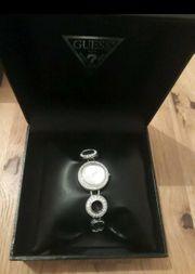 Guess Armbanduhr Silberuhr NEU silber