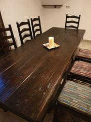 Massiver Holztisch inkl 8 Stühlen