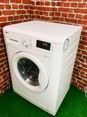 Eine schmale Waschmaschine von Beko