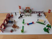 Reitturnier mit Pferdeboxen der Firma