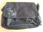 Wickeltasche in schwarz mit weißer