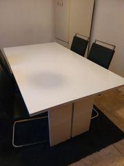 Esstisch mit 4 Stühlen