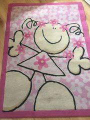 Mädchenteppich zu VERSCHENKEN 120 x