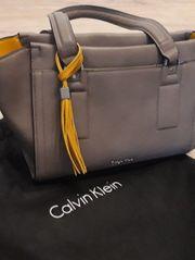 Calvin Klein Handtasche Taupe