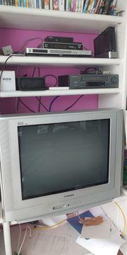 Fernseher 70 cm Diagonal 100