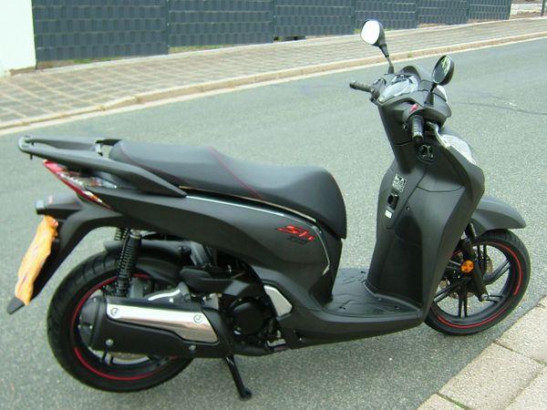 HONDA Scooter SH 300 i