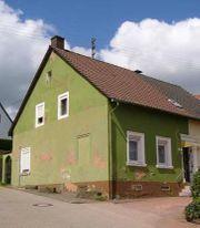 Doppelhaushälfte mit Scheune Stall und