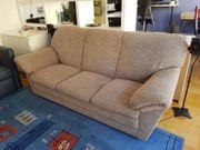 Sehr bequeme Couch zu verschenken