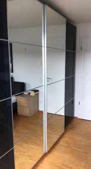 IKEA Pax Schrank mit Innenbeleuchtung