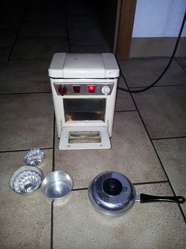Antiker Elektro-Kinderherd zum Kochen und Backen von ECHTEN Speisen! - wird Heiß! #BUDAH