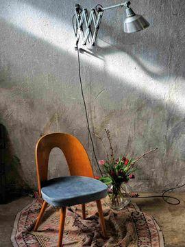 Gastronomie, Ladeneinrichtung - Aufgearbeitete Designstühle von Suman für