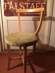 Eleganter Stuhl mit bequemem Polster