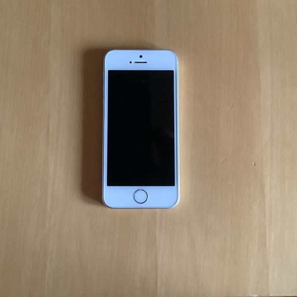 iPhone SE Silber 16GB inklusive