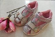 Süße Sandalen von Be Mega