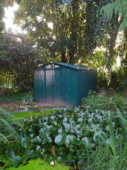 Gartenhaus aus Blech in Grün