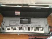 YAMAHA Tyros 5 Keyboard mit