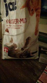 Katzen trockenfutter zu verschenken