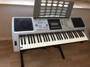 Keyboard inkl Ständer und Zubehör