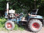 Traktor mit Wasserverdampfer