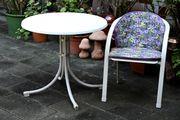 Gartentisch u Stühle