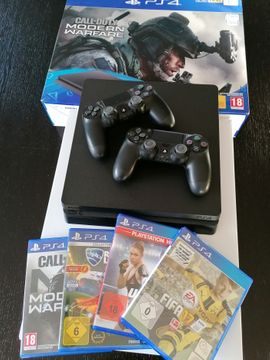 Ps4, 1T + 2 Controller + 4 Spiele