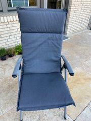 Sechs neuwertige Gartenstuhl-Auflagen für Hochlehner-Stühle