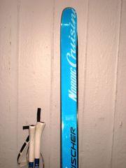 Fast neue LL-Ski mit Stöcken
