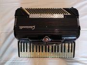 Arkordeon Crucianelli Handarbeit Instrument