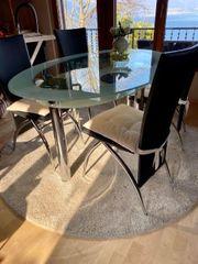 Exclusiver Esstisch mit 4 Stühlen