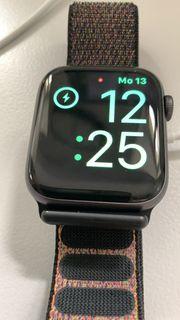Apple Watch Serie 4 neuwertig