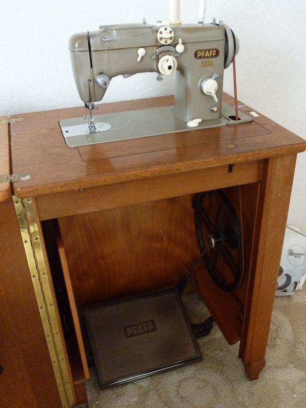 Pfaff Nähmaschine 230 mit Unterschrank