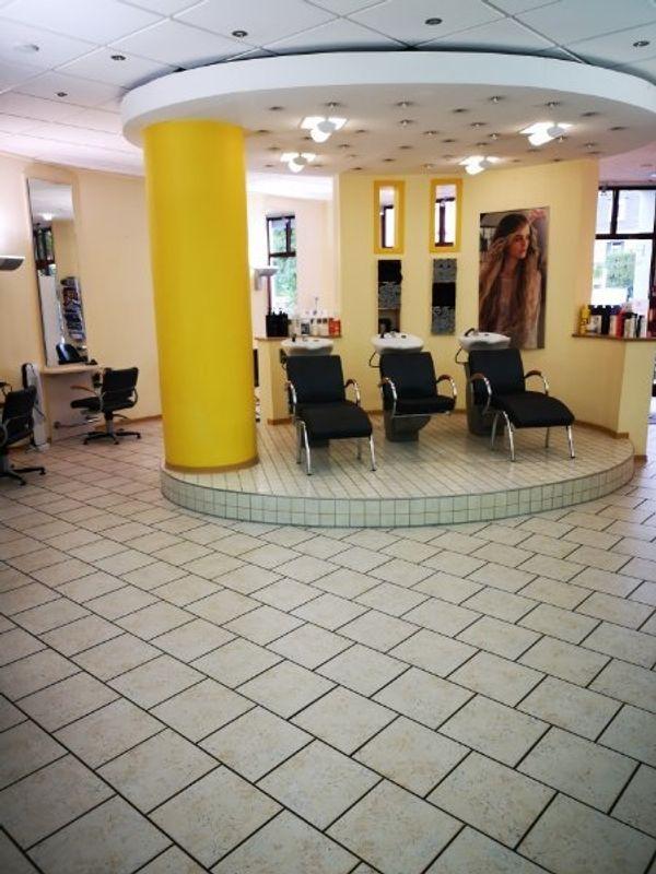 Friseursalon komplett Friseursaloneinrichtung Saloneinrichtung Friseur