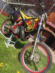 Suzuki RM250 Motocross Neuaufbau