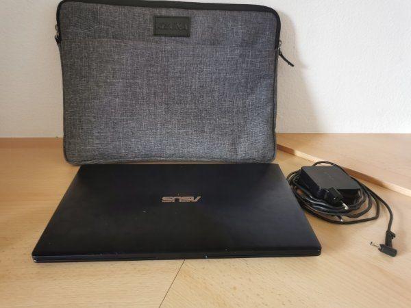 Asus Zenbook 13 mit Notebooktasche