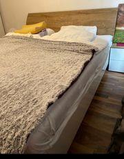 Schlafzimmer weiß Hochglanz Holz