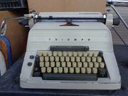 Alte Schreibmaschine Triumph Matura 30