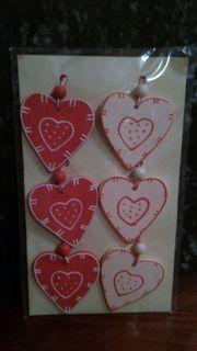 Herzen aus Holz mit Kordel