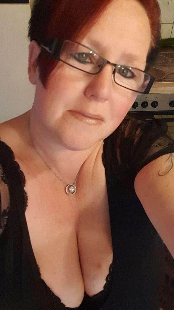 Ehefrau sucht Freundin