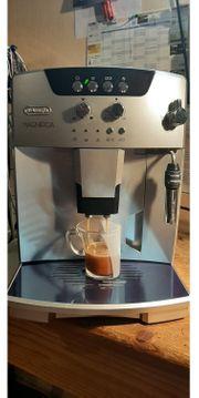 Kaffevollautomat DeLonghi Magnifica