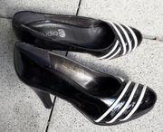 Neue Schuhe schwarz Lack mit