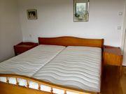 Doppelbett aus Kirschbaumholz massiv
