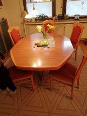 Wohnzimmertisch und 6 Stühle