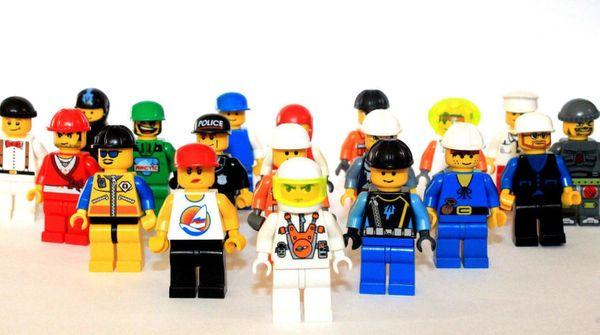 Lego Figuren 40 Köpfe sehr guter Zustand