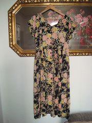Vintage Sommerkleid im Rosenprint Gr